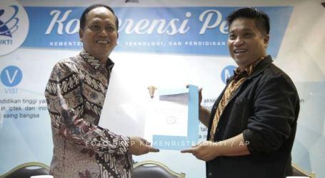 Kemenristekdikti Berikan Ijin Pendirian PT Kewirausahaan Pertama di Indonesia