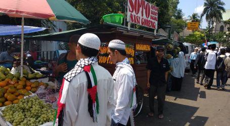 Aksi 115, Berkah untuk Pedagang Kaki Lima