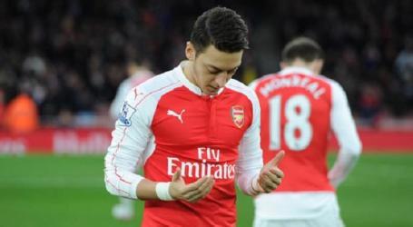Pesepak Bola Muslim Ini Ingin Perjuangkan Tempatnya di Arsenal