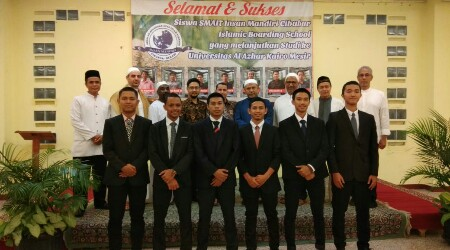 Sekolah Insan Mandiri Cibubur Kembali Kirimkan Tujuh Siswanya ke Universitas Al-Azhar Mesir