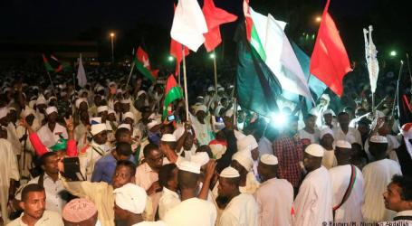 Partai-partai Oposisi dan Demonstran Tuntut Presiden Bashir Mundur