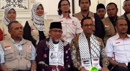 Gubernur Anies Lepas 32 Relawan MER-C ke Gaza