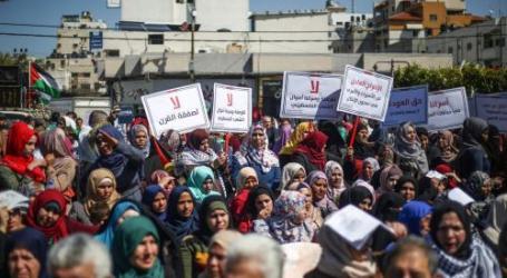"""Perempuan Gaza Protes """"Kesepakatan Abad Ini"""" AS"""