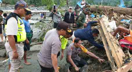 50 Orang Meninggal Akibat Banjir di Sentani, Jayapura