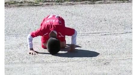 Bocah Tujuh Tahun Tiru Aksi Sujud Mohammed Salah