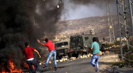 Pasukan Israel Lukai Dua Pemuda dan Tembaki Nelayan Palestina