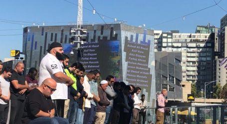 Ratusan Umat Islam Gelar Shalat Jumat di Pusat Kota Melbourne