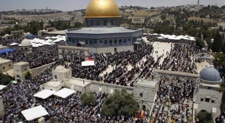 Jumat Ramadhan Terakhir, 260.000 Muslim Shalat di Al-Aqsha