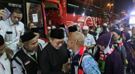 Menag Lepas Kepulangan Jamaah Haji Kloter Perdana
