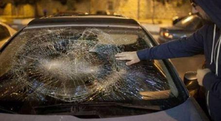 Pemukim Ilegal Yahudi Lempari Kendaraan-Kendaraan Warga Palestina