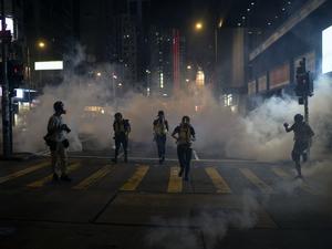 Semua Layanan Kereta Hong Kong Berhenti Sementara