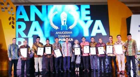 RZ Terima Penghargaan Anugrah Syariah Republika 2019