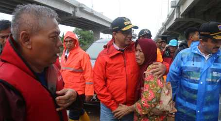 Anies Tinjau Sejumlah Titik Banjir di DKI Jakarta