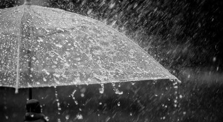 Hujan Itu Rasul Utusan Allah, Sikapilah dengan Kesyukuran