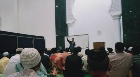 Ustaz AHI : Mendengar dan Taat, Tanda Islamnya Seorang Hamba