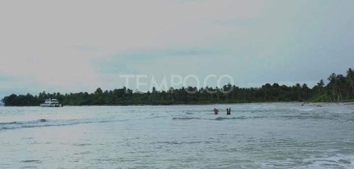 Pantai di kepulauan mentawai