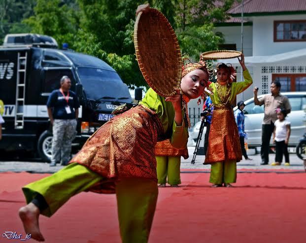 Tarian asal Minangkabau