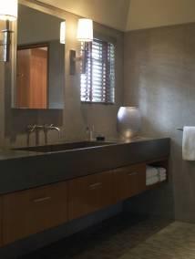 V-Bellagio-014-his_bathroom