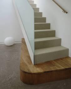 V-OldOak-022--Stair-Detail