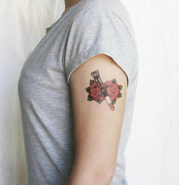 Tournevis_sonique_roses_DoctorWho_tattoo