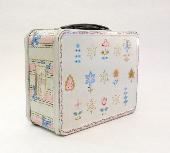 lunchbox_girly_flowers