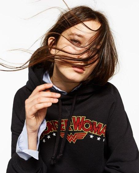 zara-wonder-woman-clothing-collection-sweat-2