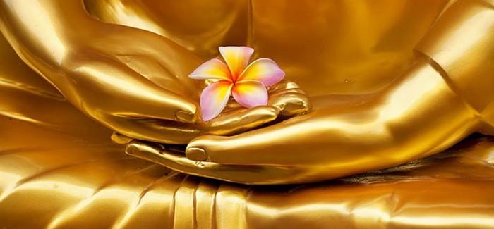 VB-COM-golden-Buddha-flower-mudra_800357561-700x325