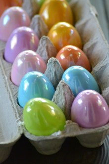 Plastic Easter Eggs filled with marshmallow (www.mincedblog.com)