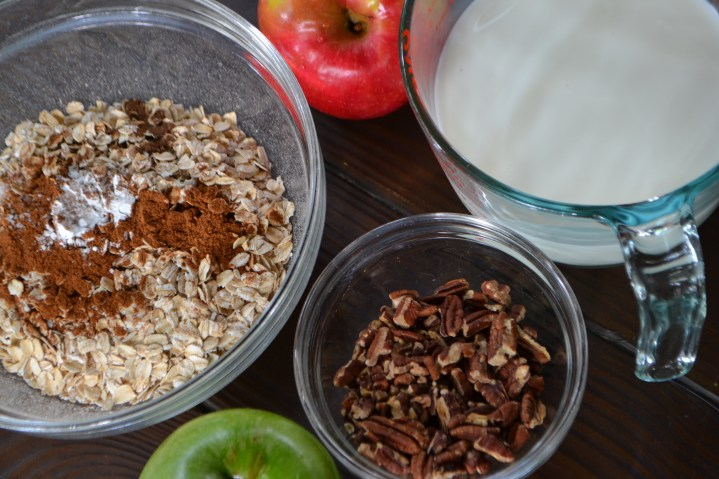 Ingredients for Baked Oatmeal with Apple, Pear and Pecans (www.mincedblog.com)