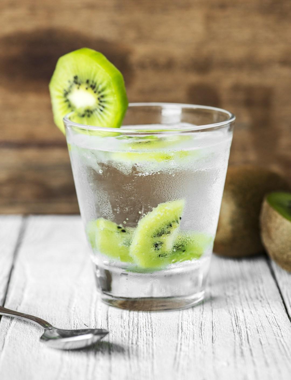 L'eau detox aux fruits