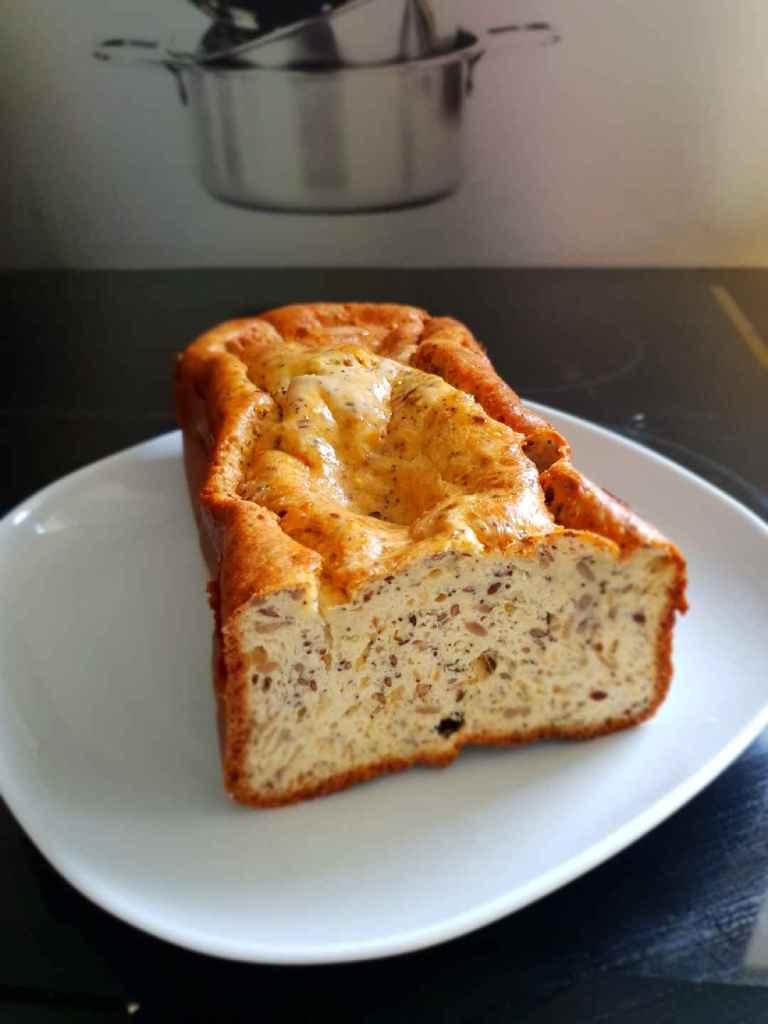 Voici mon pain céto aux graines, à cuire en machine à pain