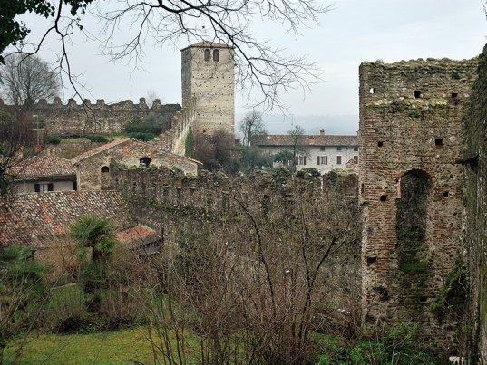 il castello di Monzambano