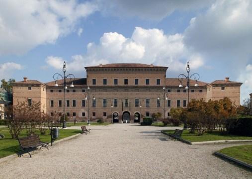Gualtieri_Palazzo-Bentivoglio