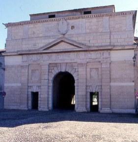 Porta Giulia