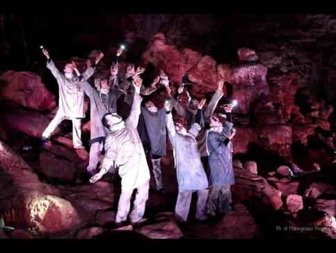 spettacolo in grotta