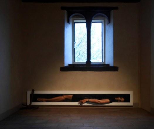Matteo-Tenardi-Nel-Tempo-narrando-dei-Bei-Mari-di-Canossa-2013-olio-e-tempera-su-tavola-ed-àncora-in-ferro-cm_-30x200.jpg