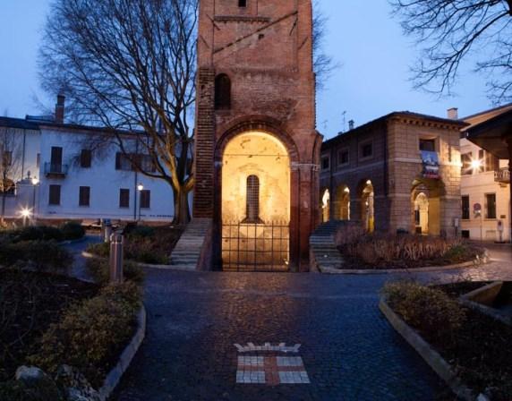 La-nuova-illuminazione-delle-Pescherie-di-Giulio-Romano-a-Mantova-foto-Gaia-Cambiaggi-4