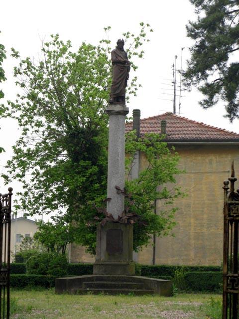 Pietole - monumento a Virgilio