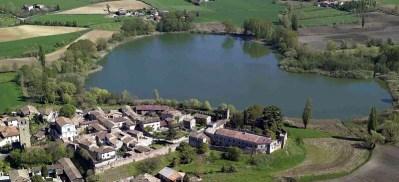 Castellaro Lagusello - il lago a forma di cuore