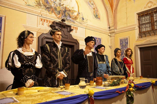 CERESARA - Convivio a Palazzo.jpg