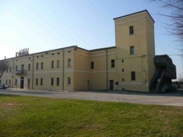 Palazzo Cavriani.jpg