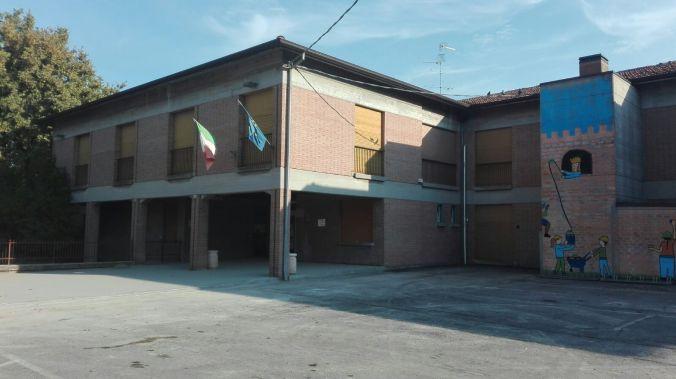 Scuole elementari Reggiolo.JPG