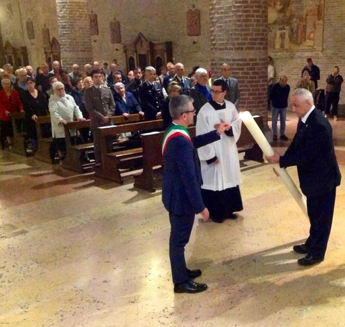 Cero acceso dal primo cittadino di Mantova.jpg