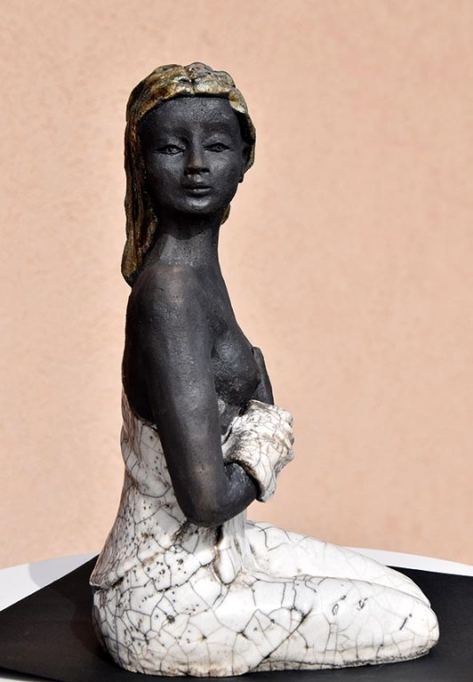 ottolini-laura-bianca-2015-ceramica-raku-18x20x30