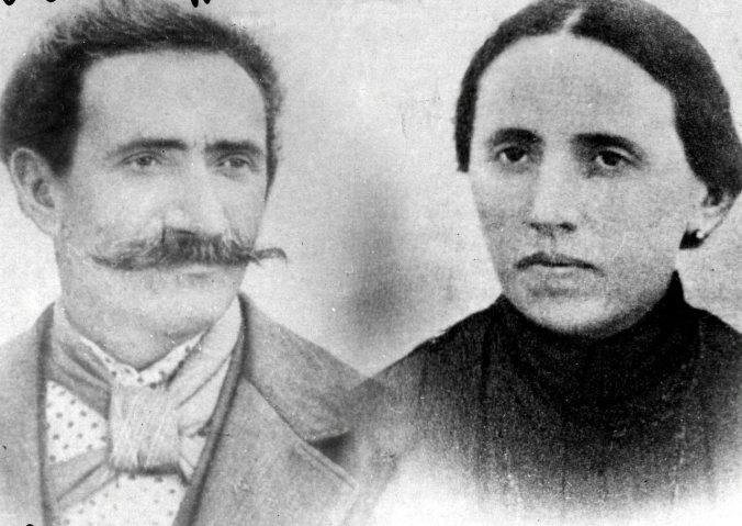 007 Enrico ed Erminia, nonni materni di Gepe.jpg