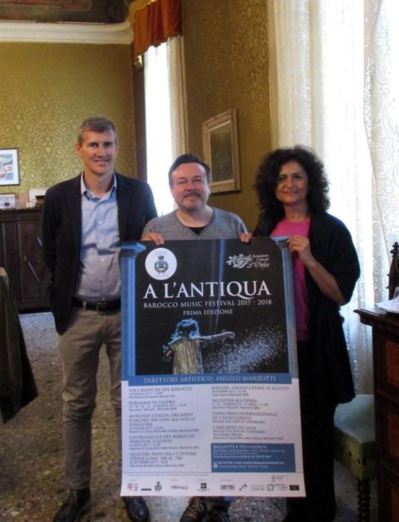 A l'Antiqua.jpg