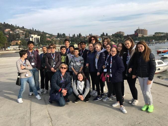 Classe 2F della scuola secondaria di Primo Grado di Castel Goffredo.jpg