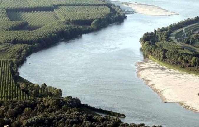 fiume po.jpg