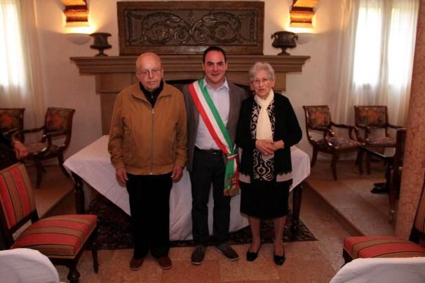 Ivonne Bussei e Luciano Contini con Roberto Angeli.jpg