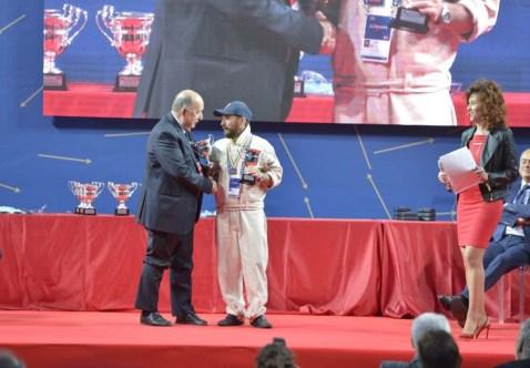 Scapinello riceve il Trofeo Militare